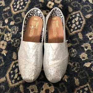 NWOT Glittery Toms